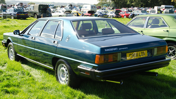 Дизайн Maserati Quattroporte III разработал знаменитый Джорджетто Джуджаро.