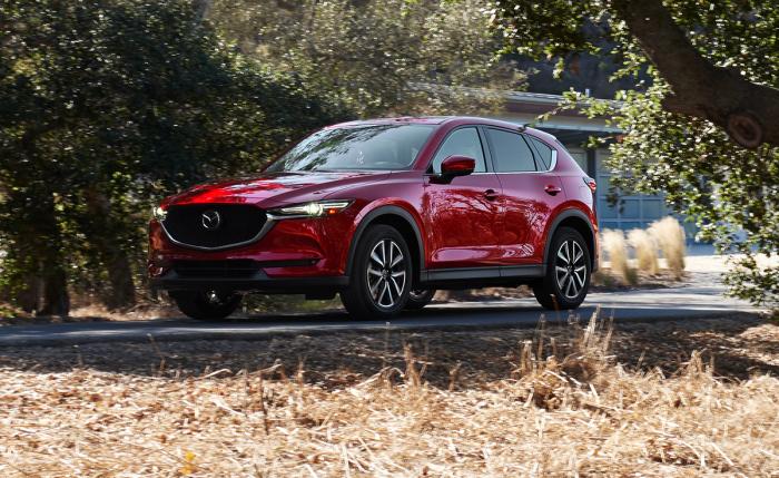 Mazda CX-5 является лидером в своем классе благодаря превосходным характеристикам, вместительности и изысканным материалам отделки интерьера. | Фото: nydailynews.com.
