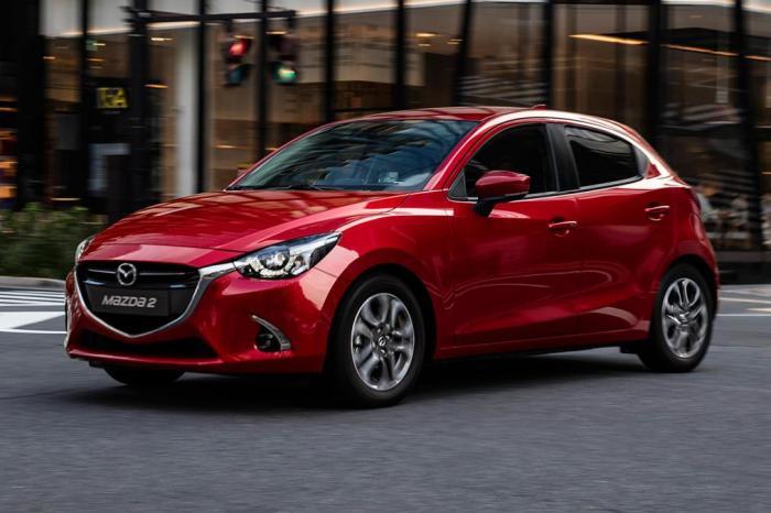 Японский хэтчбек Mazda2 также продается под именами Mazda Demio, Scion iA и Toyota Yaris. | Фото: carbuyer.co.uk.