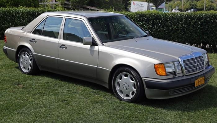 «Волк в овечьей шкуре» - немецкий седан Mercedes-Benz 500E.