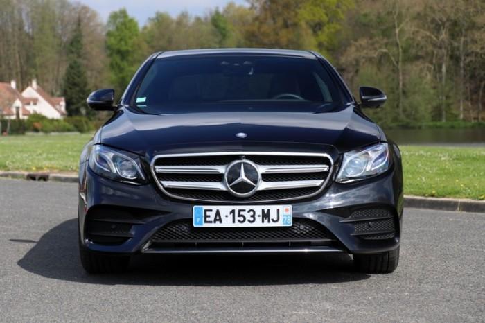 Традиционно, Mercedes-Benz E-Class – один из лучших седанов бизнес-класса. | Фото: autoevolution.com.