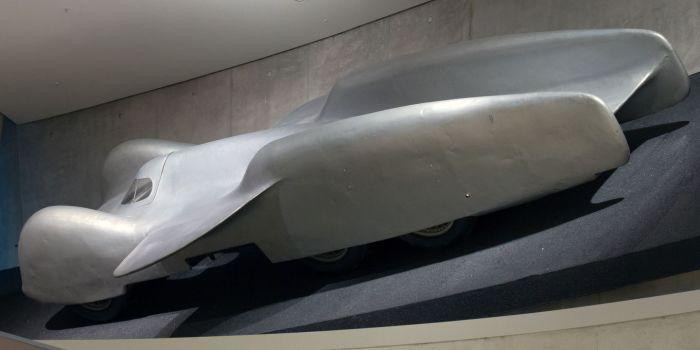 Супербыстрый немецкий автомобиль Mercedes-Benz T80 сейчас хранится в музее завода. | Фото: ru.wikipedia.org.
