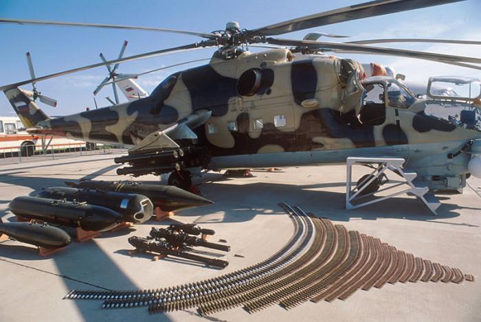 Арсенал, перевозимый на вертолете Ми-24. | Фото: nlo-mir.ru.