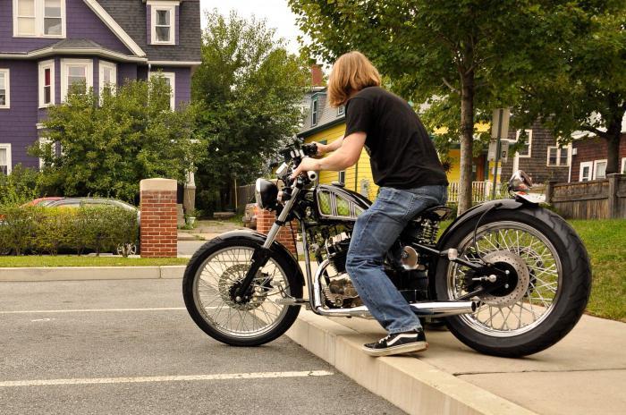 Первая поездка на мотоцикле.