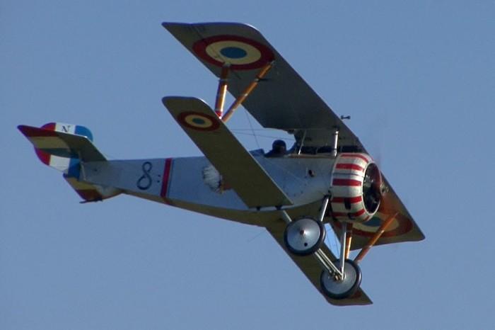 Французский истребитель Nieuport 17.