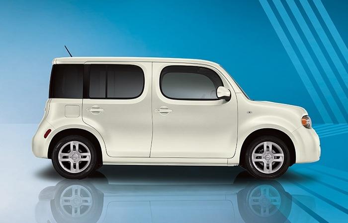 Nissan Cube третьего поколения отличается весьма сомнительной привлекательностью. | Фото: cheatsheet.com.