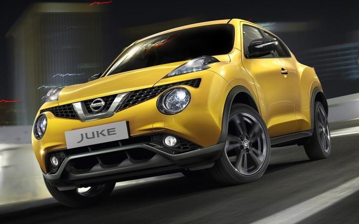 Желтый Nissan Juke 2014 года. | Фото: cheatsheet.com.