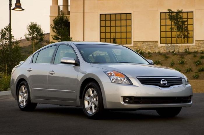 Nissan Altima отлично подходит для дальних поездок.
