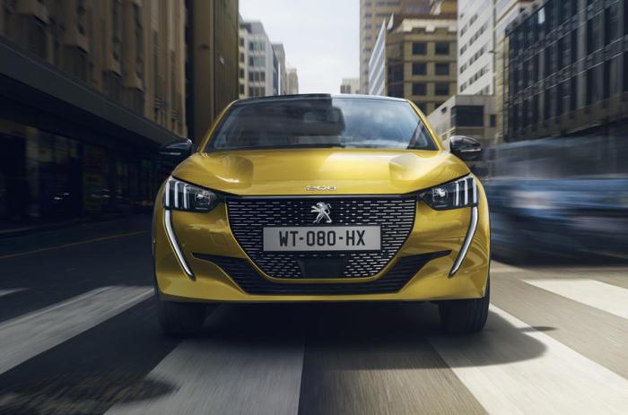 Кардинальное изменение дизайна Peugeot 208 второго поколения. | Фото: autocar.co.uk.