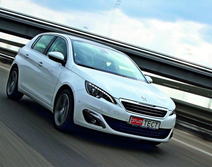 В 2013 году французы начали выпускать Peugeot 308 второго поколения. | Фото: autocentre.ua.