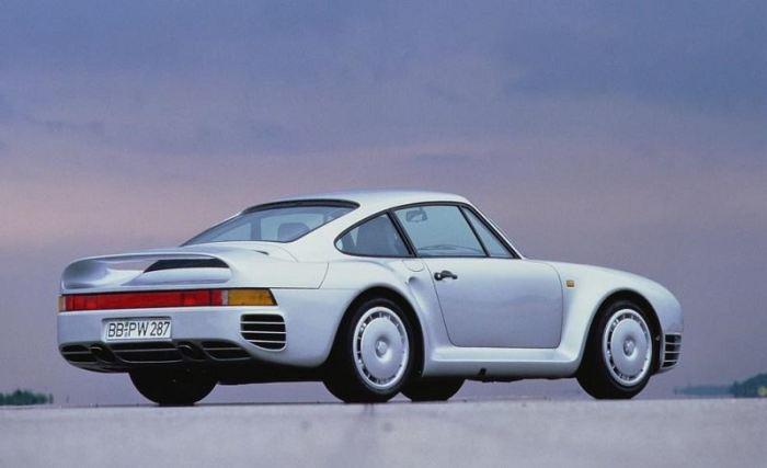 Немецкий спортивный автомобиль Porsche 959. | Фото: cheatsheet.com.