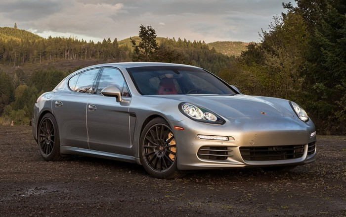 Седан Porsche Panamera, ломающий стереотипы.