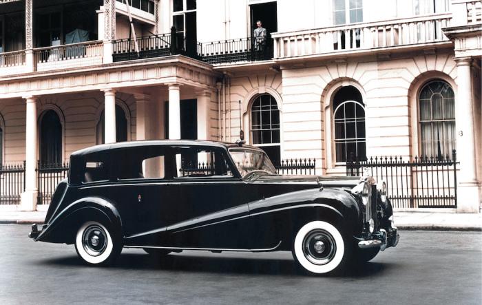 Rolls-Royce Phantom IV 1950 года, принадлежащий Виндзорам. | Фото: cheatsheet.com.