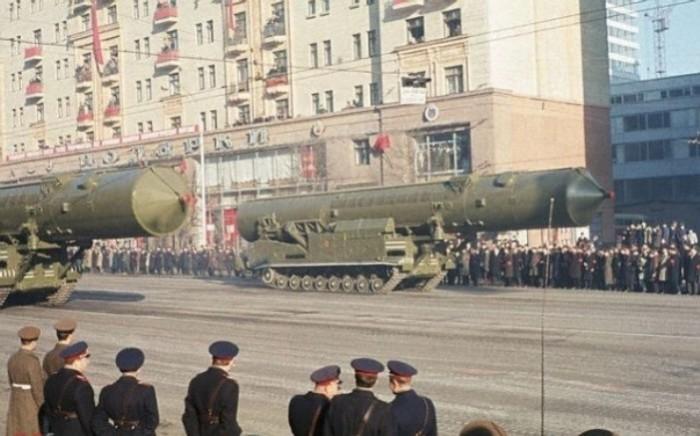 Ракеты РТ-20 в Москве. | Фото: masterok.livejournal.com.