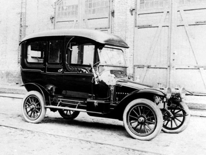 «Руссо-Балт» С24/35 Лимузин – автомобиль для самых богатых жителей Российской Империи. | Фото: autowp.ru.