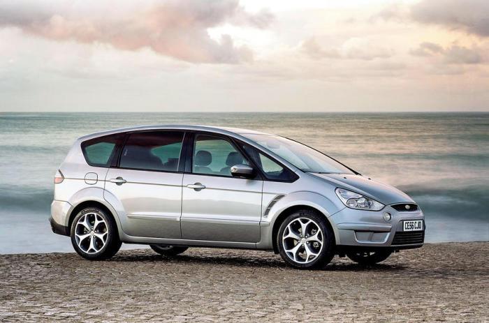 Минивэн Ford S-MAX - Автомобиль года в Европе.   Фото: autocar.co.uk.