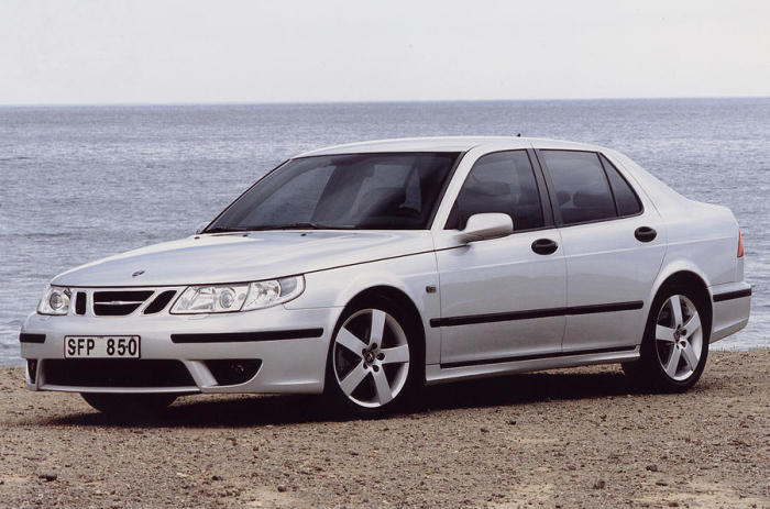 Saab 9-5 – автомобиль шведской марки, которая уже стала банкротом.