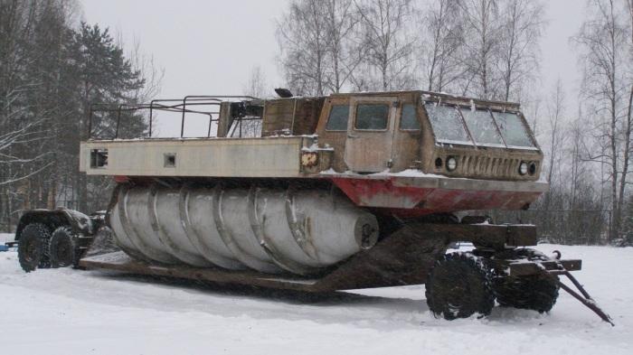 Для перемещения шнекохода ЗиЛ-4904 разработали специальный прицеп.   Фото: nlonews.ru.
