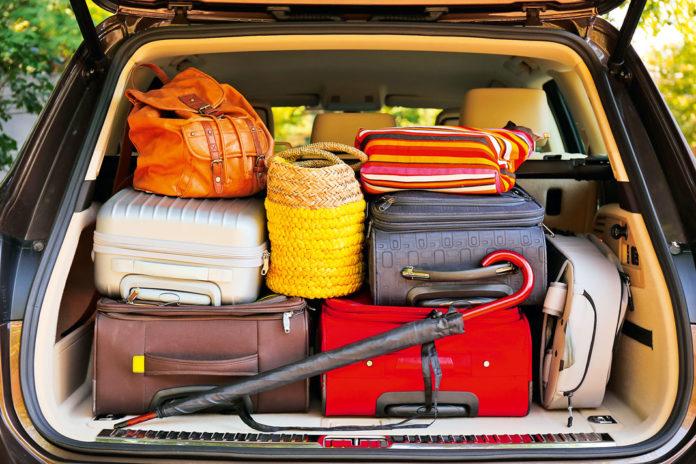 Все, что приходится везти в машине, влияет на расход топлива. | Фото: avtomir.ua.