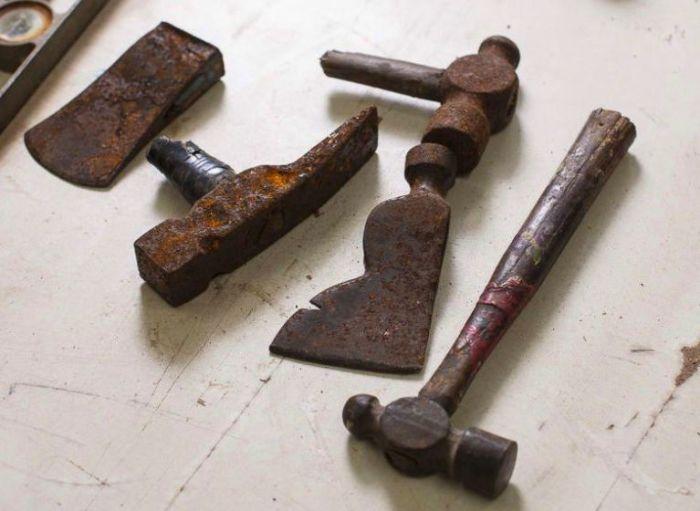Ударный инструмент даже в таком состоянии можно восстановить. | Фото: popularmechanics.com.