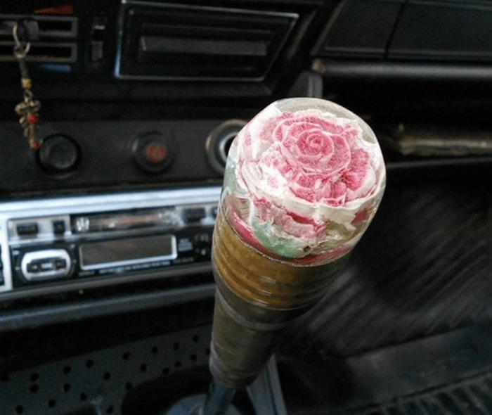 Розочка - самый популярный мотив для ручки КПП во времена СССР. | Фото: vimka.ru.