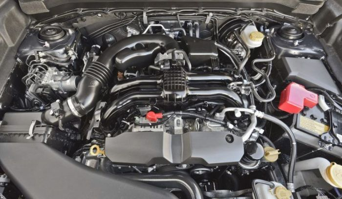 2,5-литровый двигатель Subaru Forester 2014 года.