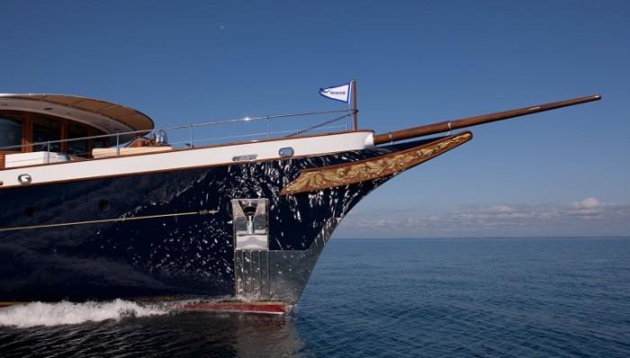 Носовая часть яхты Sycara IV.