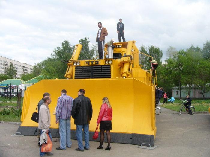 Т-800 – самый большой трактор в Европе. | Фото: beauty-things.com.