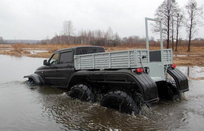 «Ямалы» легко форсируют броды, а некоторые модели даже могут плавать. | Фото: uazbuka.ru.