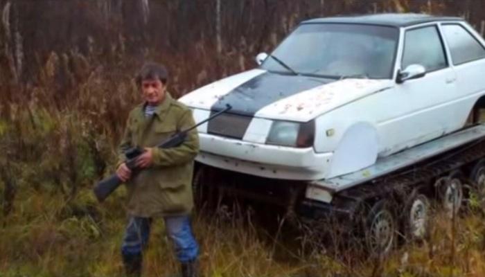Гусеничная «Таврия» - идеальный автомобиль для российской глубинки. | Фото: youtube.com.