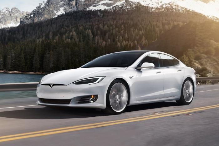 Внешние проблемы мало влияют на то, насколько водители любят свои Tesla. | Фото: ixbt.com.