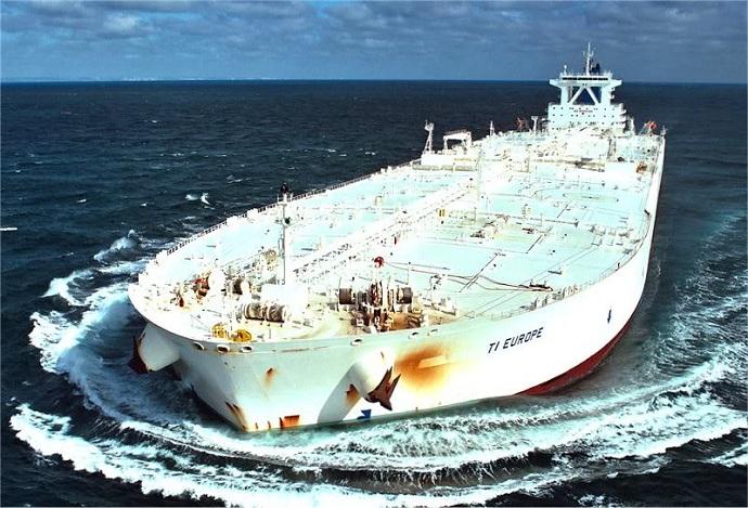 Танкер TI Europe длиной 380 метров. | Фото: maritime-connector.com.