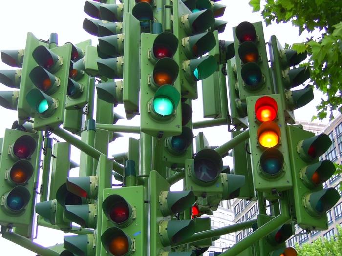 Достопримечательность Лондона – дерево-светофор. | Фото: mport.ua.