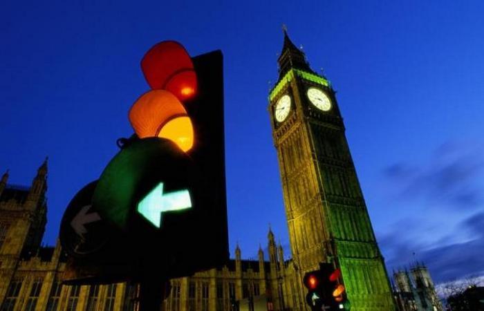 Лондонскому светофору скоро будет уже 150 лет. | Фото: thetimes.co.uk.
