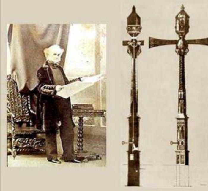 Первый в мире светофор и его создатель Джон Пик Найт. | Фото: traffictechnologytoday.com.