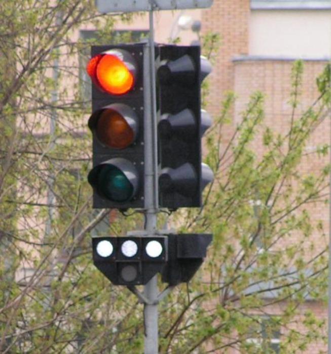 Московский светофор для автомобилей и трамвая. | Фото: ru.wikipedia.org.