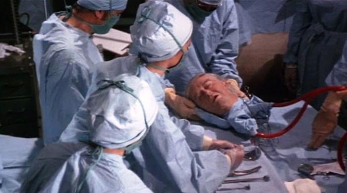 В Китае пересадили голову человека. | Фото: lamentiraestaahifuera.com.