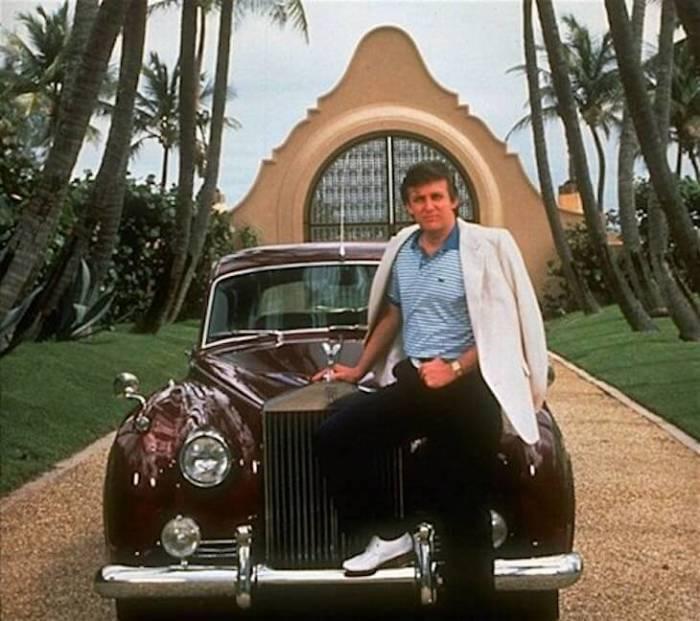 Дональд Трамп и его первый автомобиль - Rolls-Royce Silver Cloud.