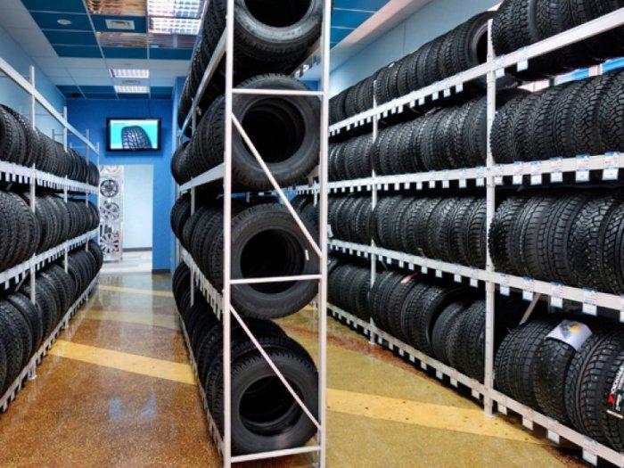 Величезний вибір шин в сучасних магазинах. | Фото: trikita55.ru.