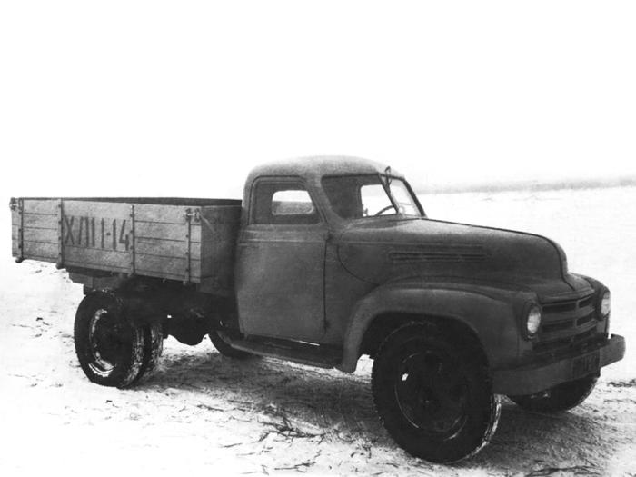 Экспериментальный грузовик УАЗ-302, 1950 год. | Фото: autowp.ru.