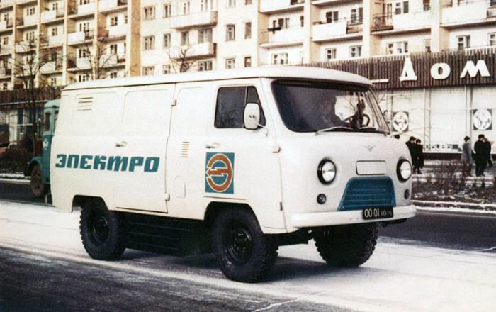 Экспериментальный фургон-электромобиль УАЗ-451МИ, 1975 год. | Фото: autowp.ru.