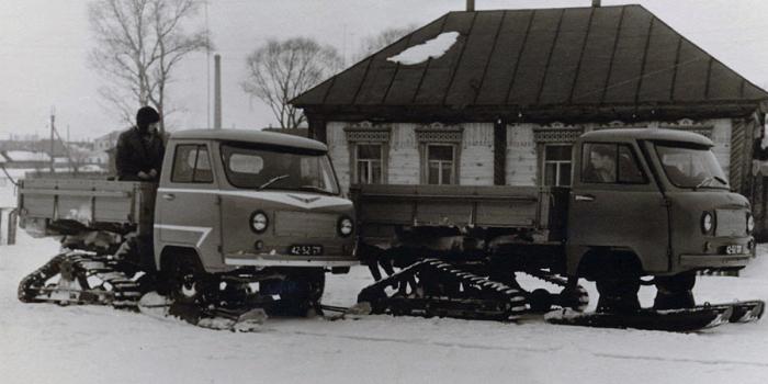 Испытание снегоходов УАЗ-451С. | Фото: autowp.ru.