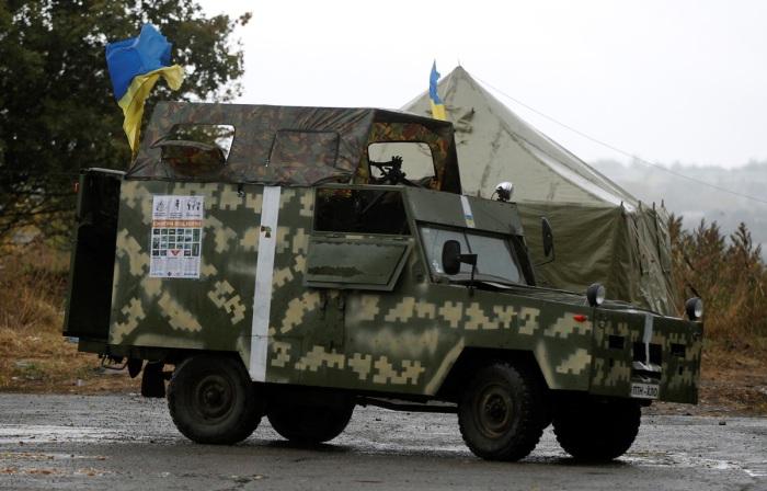 Переоборудованный УАЗ-469 в пиксельном камуфляже.