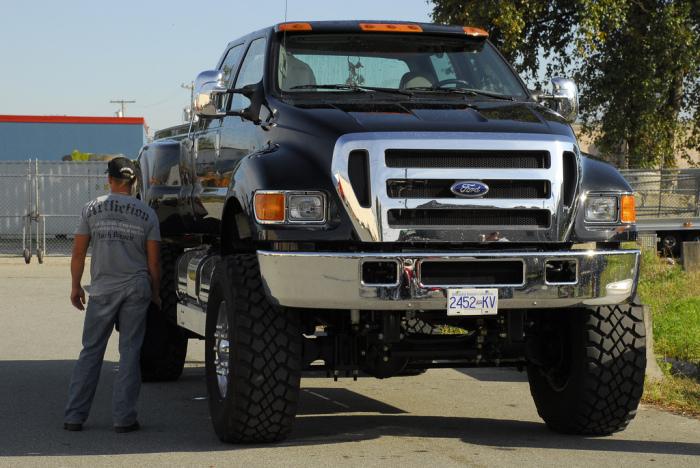 Ford F-650 – самый большой серийный внедорожник в мире.