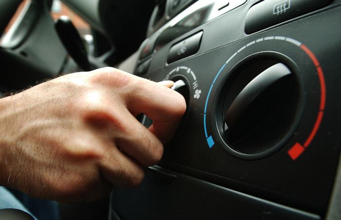 Климатические системы в автомобилях стоят немало. | Фото: carnovato.ru.