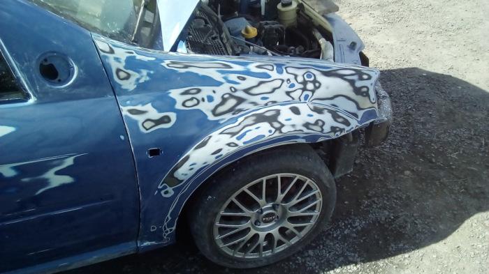 Машину, ранее побывавшую в ДТП, готовят к покраске. | Фото: drive2.ru.