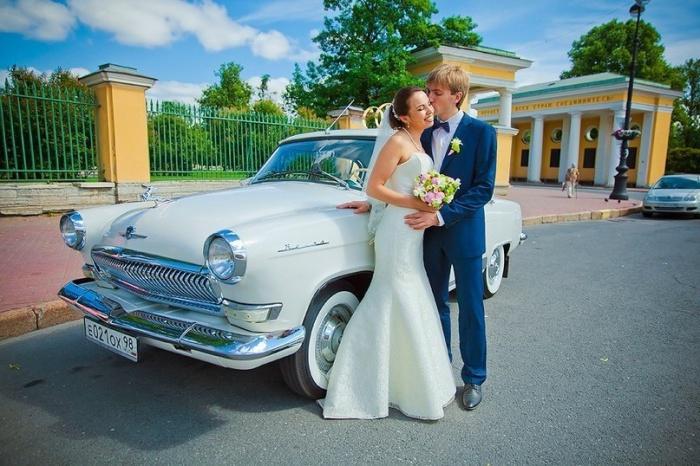 ГАЗ-21 «Волга» -  хороший выбор для любителей недорогих ретро машин.