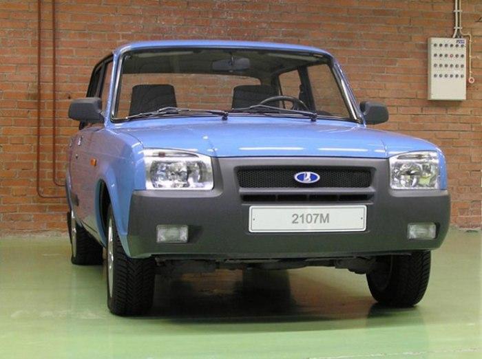 ВАЗ-2107М - неудачная попытка улучшить дизайн классических «Жигулей». | Фото: avtika.ru.