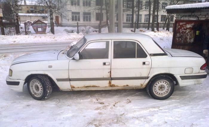 Кузов этого ГАЗ-3110 представляет печальное зрелище. | Фото: drive2.ru.