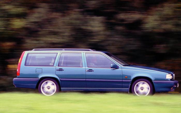 Седаны и универсалы Volvo 850 оснащались 5-цилиндровым двигателем объемом от 2,0 до 2,5 литра. | Фото: autocar.co.uk.